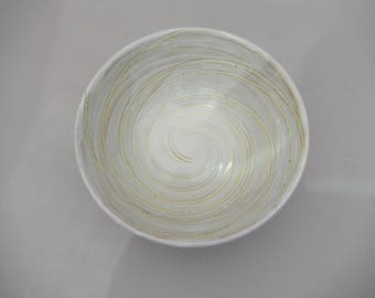Pottery Serving Mixing Bowl, Earthenware, Mottled Yellow on Yellow Spiral Design