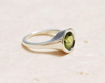 Personalized Engagement Ring - August birthstone ring, Peridot engagement ring, Birthstone Promise ring, Birthstone ring for mom