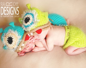 SALE One Eye Alien Monster Hat and Diaper Cover Set for Newborns  READY to SHIP