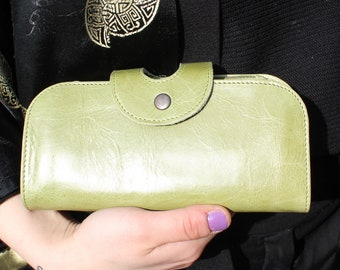 Big Fat Wallet in Apple Green leather with multicompartments