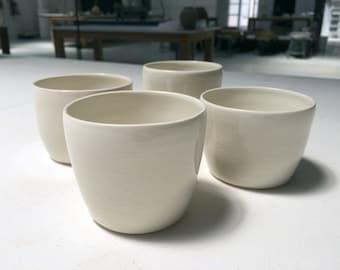 White Cups, Gobelets, Mugs