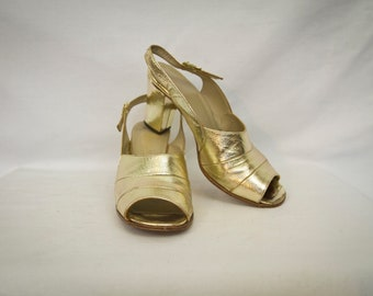 60's gold chunky heel sandals size 7