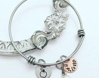 Teacher Appreciation Bracelet - Expandable Adjustable Bracelet - Apple Charm - Stainless Steel Bangle - Teacher Bracelet - Teacher Gift