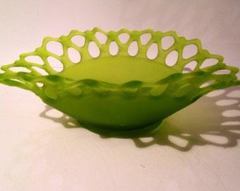 Westmoreland Doric Lace Bowl Green Satin