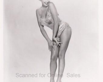 Barbara Nichols 50s Glamour Girl  8x10 Photo