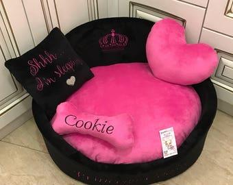 Hot pink abd black dog bed Luxuru dog bed in pink  Personalized pet bed Large dog bed Custom made dog bed Personalised dog bed Toy for dog