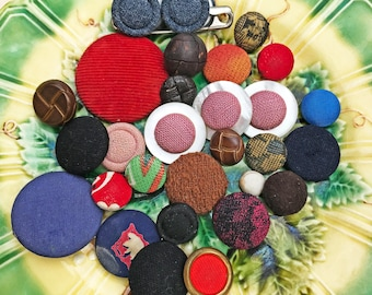 Covered Vintage Buttons - Vintage Fabric Covered Button Lot - Collectible - Vintage Mother of Pearl Buttons - B169- 30 Buttons