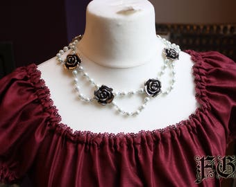 Charming Rose Elegant Pearl Necklace