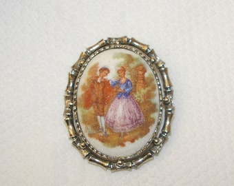 Vintage Cameo Brooch,  Courting Couple,  with Bail for a Necklace 1970's