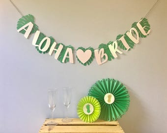 Aloha Bride/Beaches/Baby Banner | Tropical Bridal shower | Pineapple Flamingo Decorations | Bachelorette Party | Birthday | Green Gold Glitt