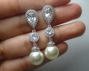 Ivory Pearl Earrings, Bridal Earrings, Swarovski 10mm Ivory  Pearl Earrings, Bridesmaid Gift Earrings, Bridal Earrings, Wedding Earrings