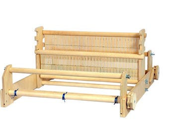 Rigid heddle loom with two reeds