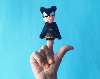 Batman / action figure / Batman amigurumi / Batman doll / toy knitting / crochet superhero / crochet batman / finger puppets / comics toys