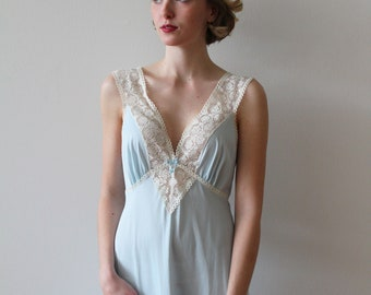 Vintage 1960s Light Blue Night Gown