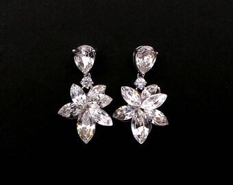 christmas prom bridal wedding bridesmaid gift Swarovski clear white multi shape flower foiled crystal rhinestone rhodium post earrings