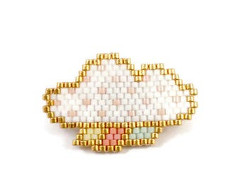 This brooch white and Golden Miyuki beads