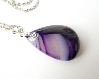 MINA purple tinged agate pendant