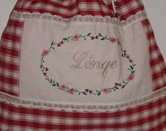 """"""""""" Laundry bag / / laundry basket dirty dirty laundry //Rangement //Sac fabric cotton red //Motif machine embroidery """"linen"""""""