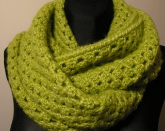 Crocheted warm and big infinity scarf,handmade scarf,thick scarf,green scarf,handmade neck warmer,winter neck accessory,christmas gift
