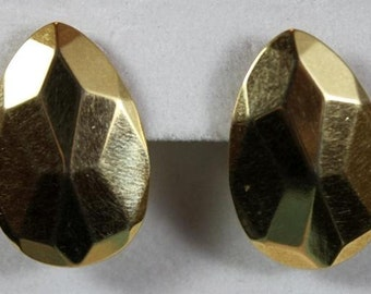 Vintage Avon Faceted Teardrop Earrings Goldtone