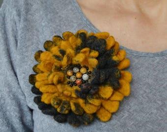 Brooch felted, brooch wool, flower brooch, Hand Felted Brooch, felted flower brooch, felted boho brooch, boho brooch