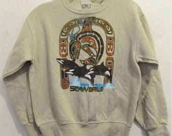 A Cool Teens Vintage 90's,Beige Colored TRIBAL Style SEAWORLD Sweatshirt By LEE.M(12)
