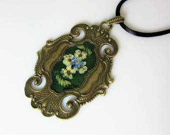 Large Ornate Bridal Veil and Forget Me Not Pendant , Real Flower Pendant, Pressed Flower Necklace, Resin (3001)