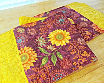Quilted Table Runner, Sunflower Table Runner, Fall Table Runner, Sunflower Decor, Autumn Decor, Sunflower Table Topper, Burgundy Runner