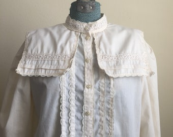 Vintage Jessicas Gunnies cream off white bib collar lace long sleeve blouse