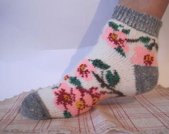Nordic Beautiful knitted quality Angora wool socks. Knitted pattern of Violets EU-38-40/ US- 8-9 Soft, warm and very comfortable