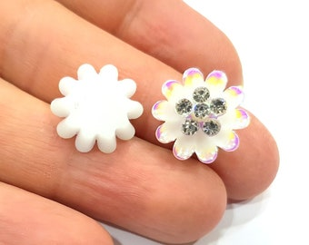 2 White Flower Cameo Cabochon 15mm  G12260