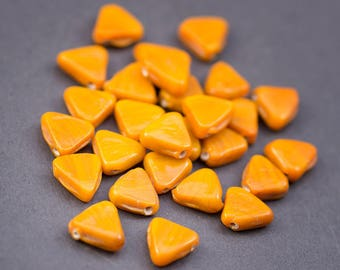 5 pcs - triangles • Indian glass beads flat opaque yellow saffron • bright • 12 mm