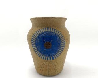 Studio Art Pottery Round Stoneware vase Jar Hand Made Signed Pal Wright Ceramic art teacher from Ottawa, KS