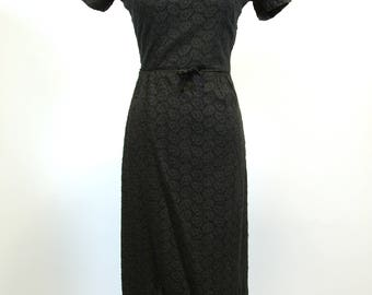 Black Cotton Embroidered Eyelet Wiggle Dress 50s60s Day Dress 26 inch 66 cm Waist