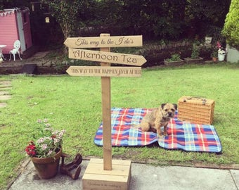 Personalised rustic wedding sign signpost freestanding crate direction sign post