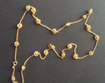 Gold Tone Flower Chain Necklace [SKU307]