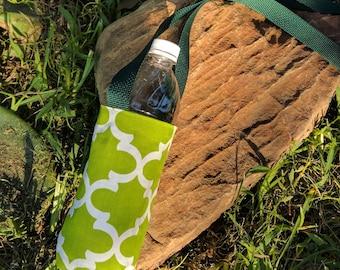 Green crossbody water tote, green bottle carrier reusable water sling, reversible bag travel water bottle holder, green hiking water carrier