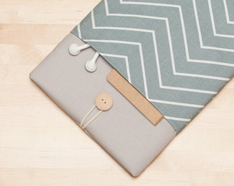 "Macbook sleeve / Laptop case  / Macbook pro 13 case / 13""  Laptop sleeve / padded with pockets  - Chevron  ash"