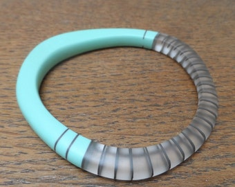 Turquoise resin wangle bangle with charcoal stripes