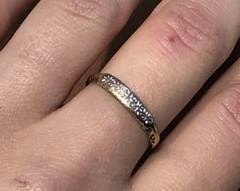 18ct Victorian Antique ring with diamonds