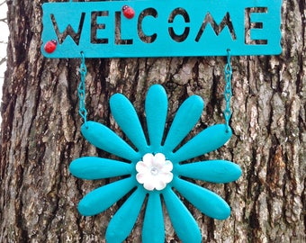 Turquoise Daisy Welcome Sign with a Ladybug / FREE SHIPPING / Metal Yard Art / Front Door Garden Patio Fence Decor / Gift for Mom
