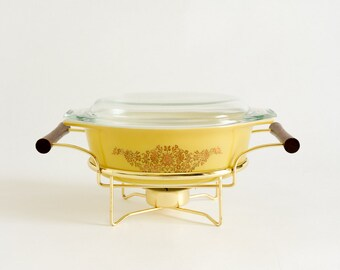 Vintage 60s Pyrex Golden Garland 1.5 Qt Lidded Casserole Dish 043 and Warming Cradle VGC Yellow Gold Retro Mid Century Kitchen Collectible