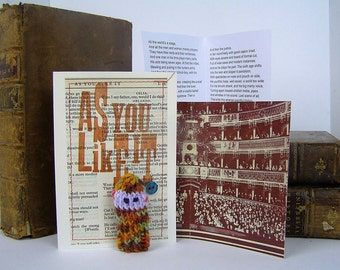 All the world's a stage, Jaques, As you like it, Shakespeare gift box, with knitted actor, folded stage and speech.