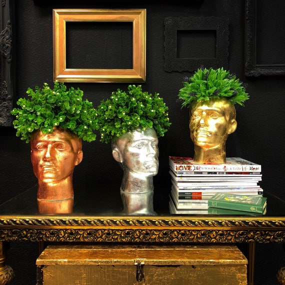 Polystyrene mannequin head floral display