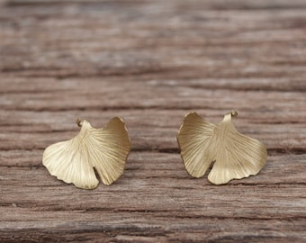 Ginkgo leaf earrings, ginkgo leaf jewelry, brass leaf earrings, gold stud earrings, ginkgo jewelry, leaf stud earrings, eco style jewelry