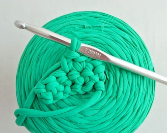 Trapillo, 1 roll of mint green water (2) to crochet 7 900g. REF E/220