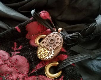 Steampunk Pendant - Resin and Gears