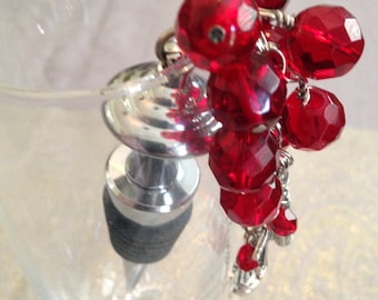 Beaded Wine Stopper, Beaded Wine Topper, Red Faceted Czech Holiday Winestopper, Valentine's Day, Hostess gift, Gift under 30, Ready to ship