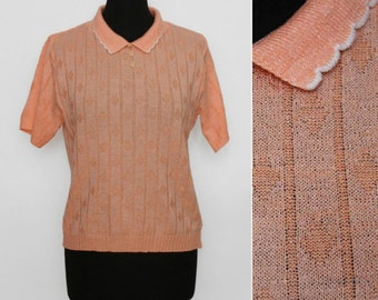 1970s Scalloped Collar Peach Knit Top