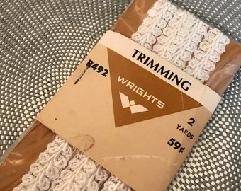 Vintage White Trimming, Lace